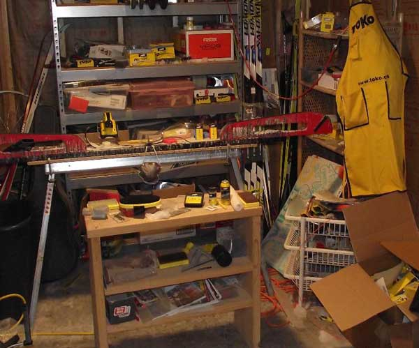 Waxing cross country skis