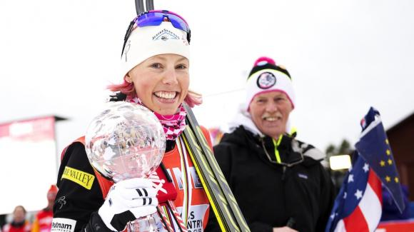 Three-time World Cup sprint champion Kikkan Randall received her globe after a fourth-place finish in Friday's classic sprint, the final sprint of the season as well as the opening event of the three-day Stage World Cup mini-tour finale in Falun. (Getty Images/AFP/Jonathan Nackstrand)