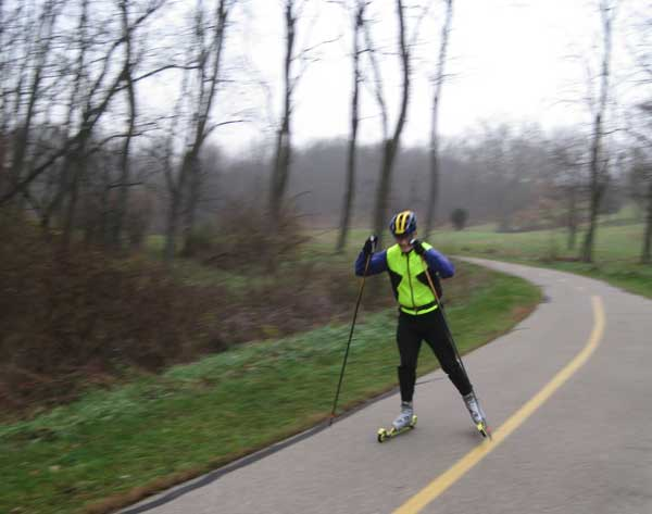 Doug Heady halfway around the rollerski time trial