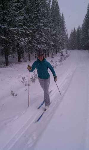 Cross country skiing on the South Plateau in West Yellowstoner