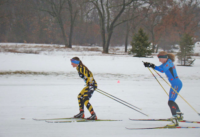 Women racing at the Frosty Freestyle cross country ski race