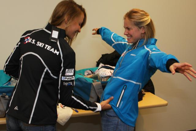 Sophie Caldwell and Jessie Diggins try on their new gear. (USSA)