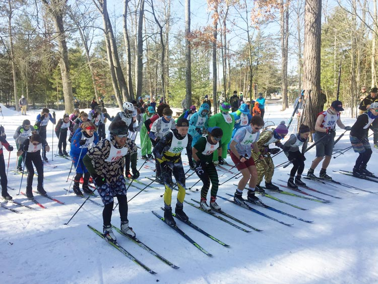 Skiers starting the 2021 Muffin Race cross country ski race
