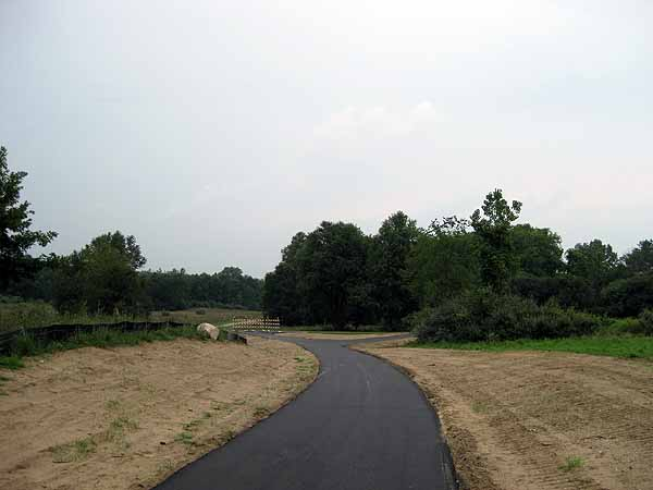 Kensington Metropark paved bike path and rollerski connector trail to the Milford-Kensington Bikeway